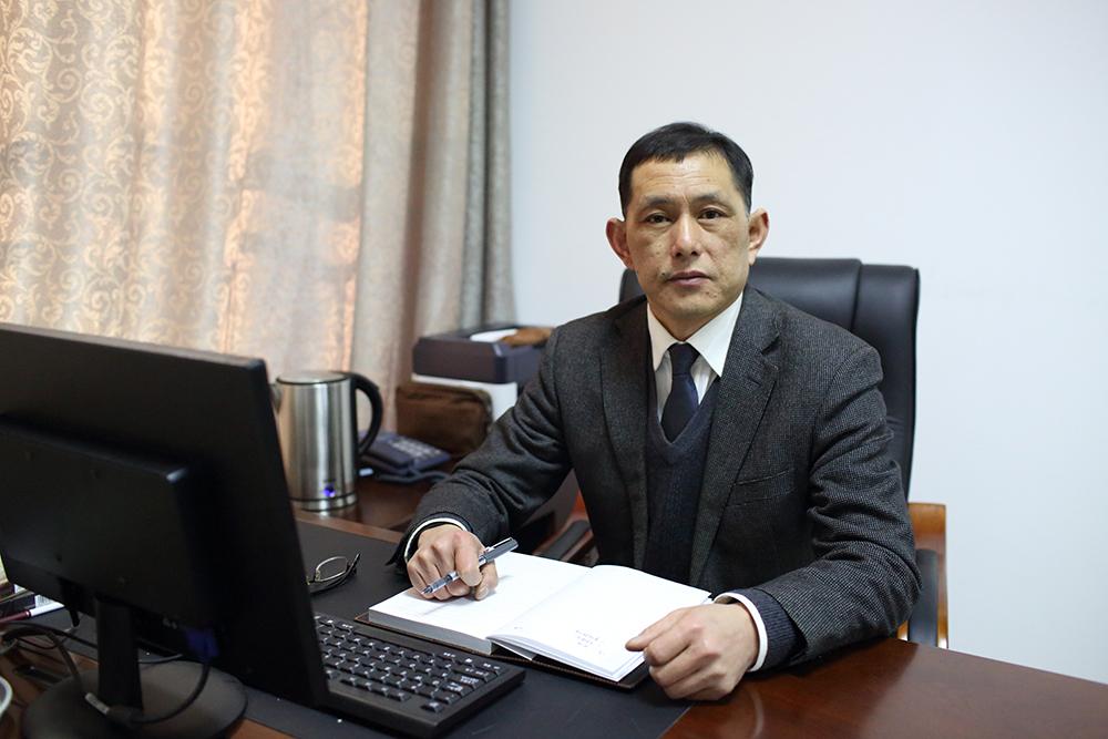 游百春:党委副书记