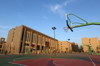 15篮球场.JPG