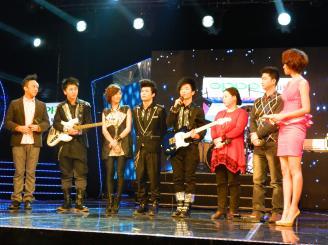 2011年12月19日,我校学生黎鹏参加浙江卫士《中国梦想秀》节目。.JPG