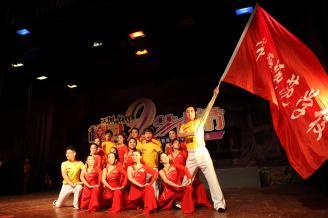 2012.05.29晚,在常德师范学校大礼堂迎来了07级学生的毕业晚会。.JPG