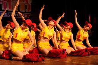 2012.05.28晚,学前教育2010级儿童舞专场晚会在校大礼堂举行。.JPG