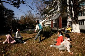 010.学校任何一个角落都是学生社团的活动场所。.jpg