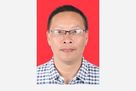 张爱华:党委委员、工会主席