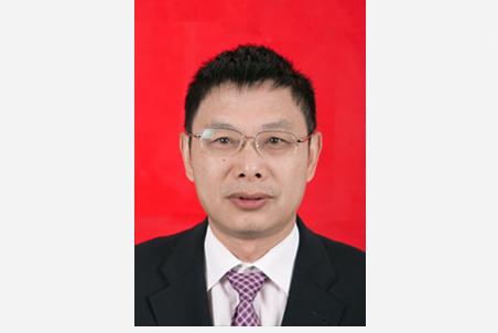 曹桂清:党委副书记、校长